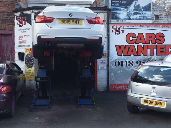 Car Garage in Reading, Berkshire